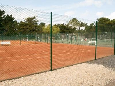court-tennis-terre-battue-saint-jean-de-monts
